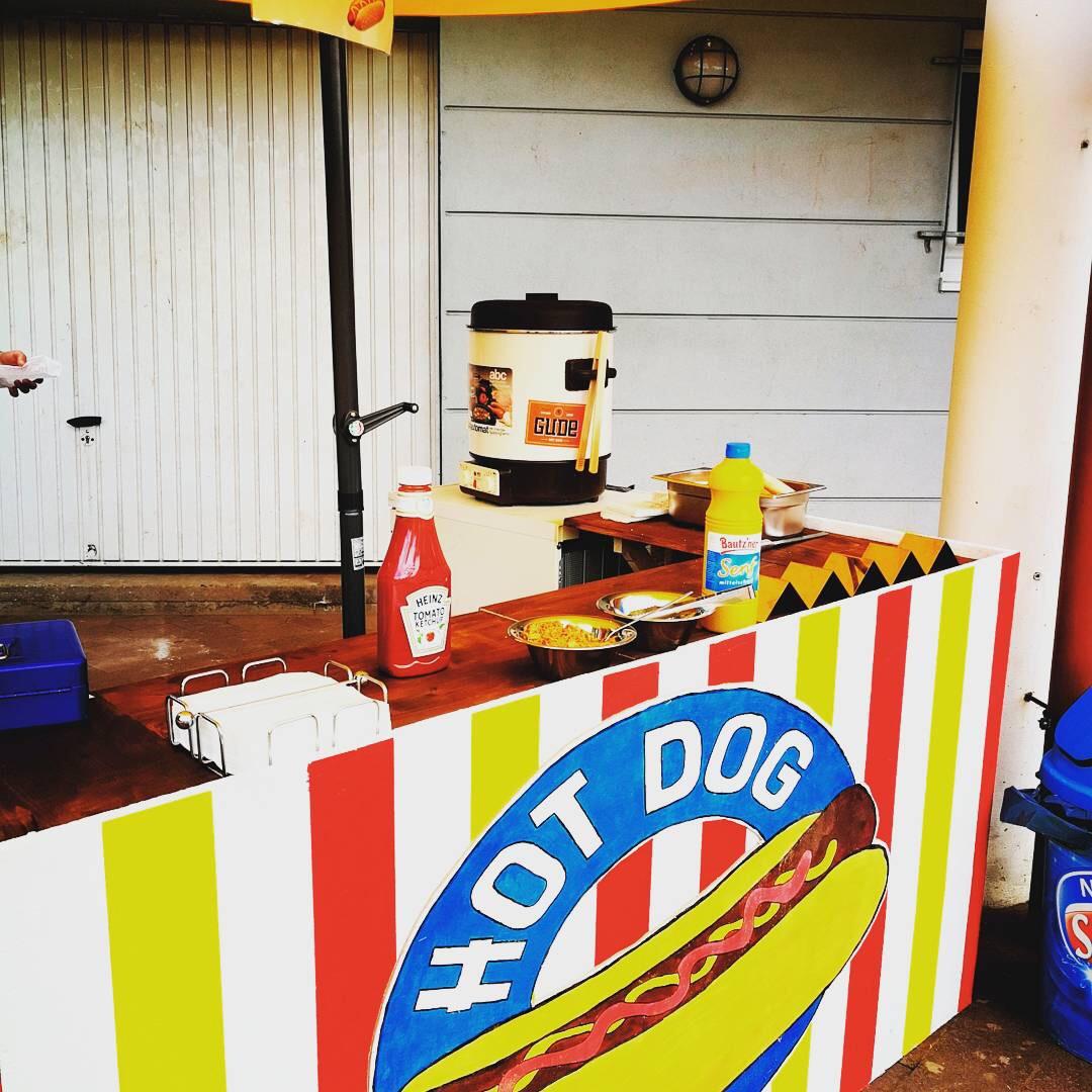 Hot Dog Stand die 1.
